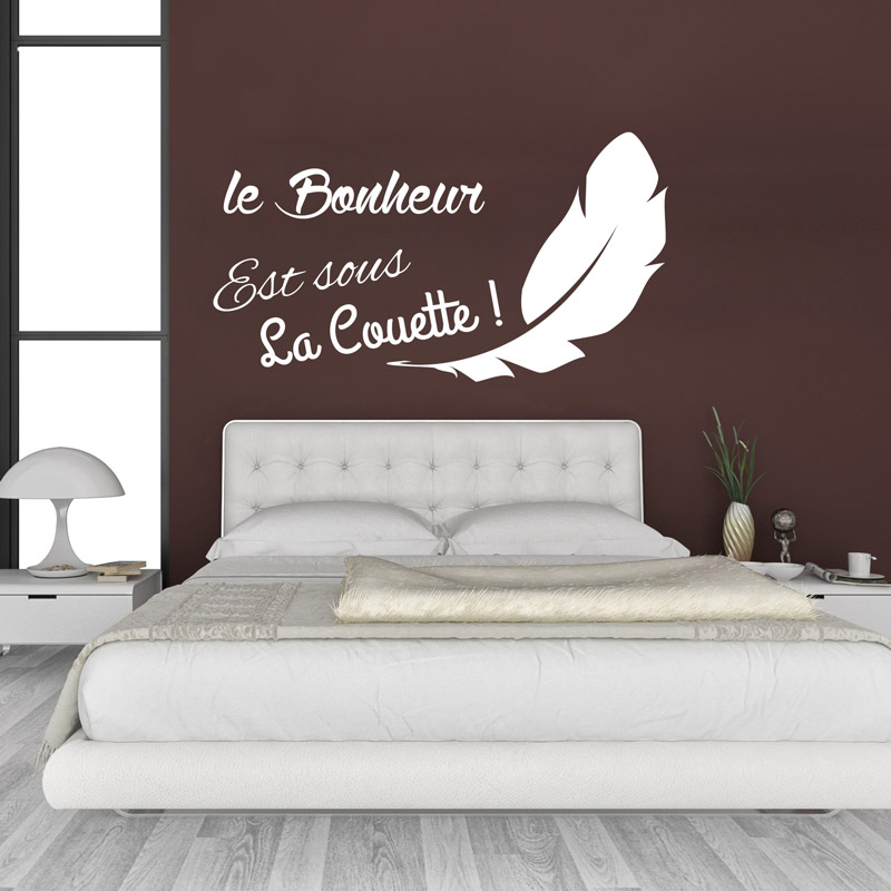sticker le bonheur est sous la couette avec une plume stickers citations fran ais ambiance. Black Bedroom Furniture Sets. Home Design Ideas