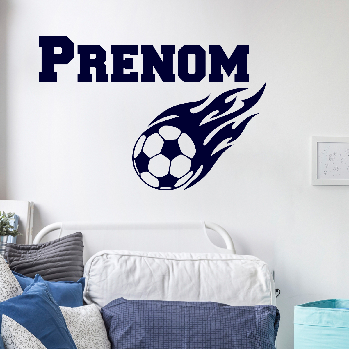 sticker pr nom personnalisable ballon de football enflamm. Black Bedroom Furniture Sets. Home Design Ideas