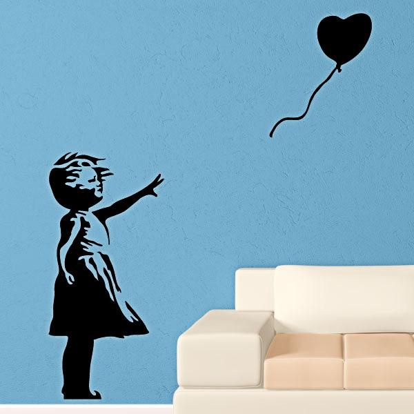 stickers muraux design sticker mural fille avec le ballon coeur ambiance. Black Bedroom Furniture Sets. Home Design Ideas