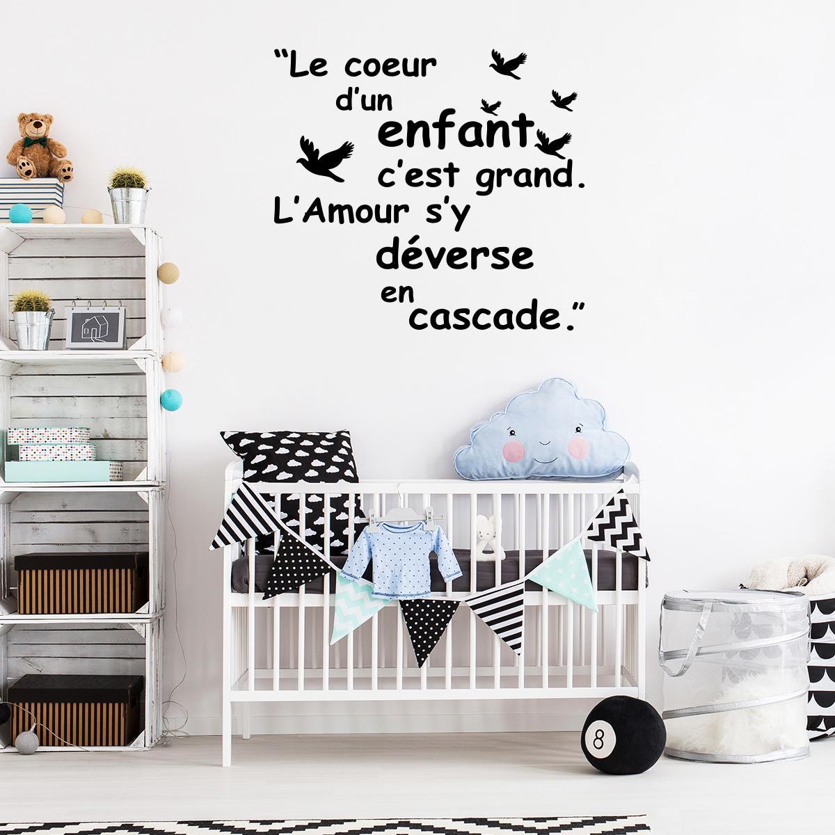 sticker citation le coeur d 39 un enfant est grand stickers citations fran ais ambiance sticker. Black Bedroom Furniture Sets. Home Design Ideas