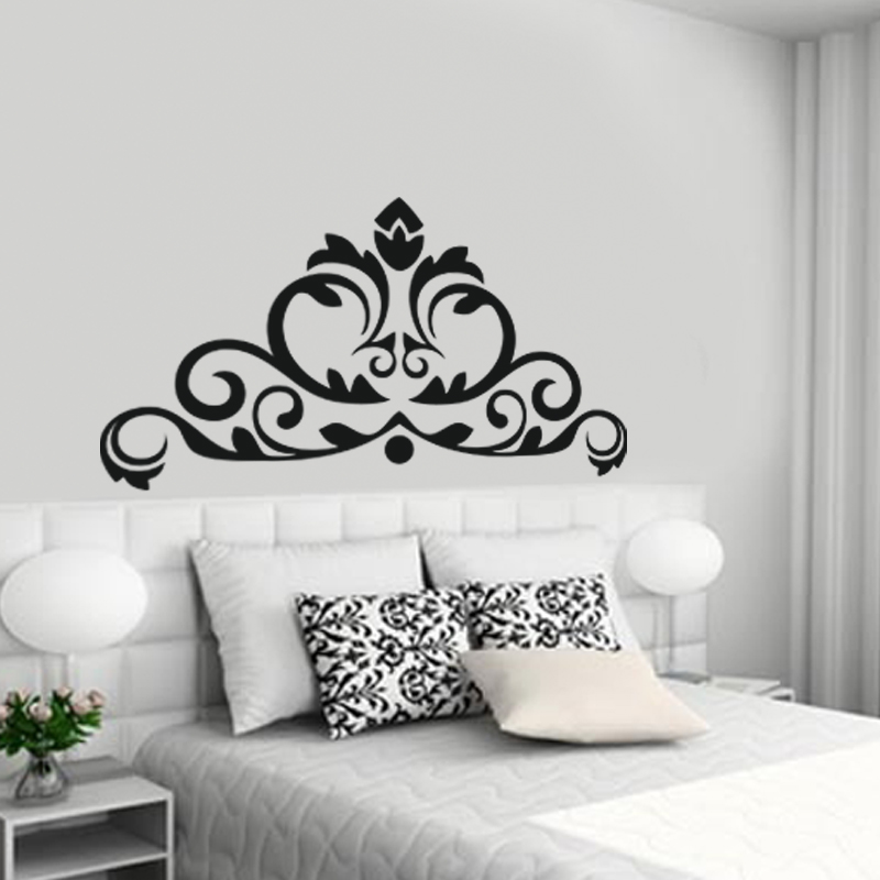 stickers muraux design sticker mural couronne baroque ambiance. Black Bedroom Furniture Sets. Home Design Ideas