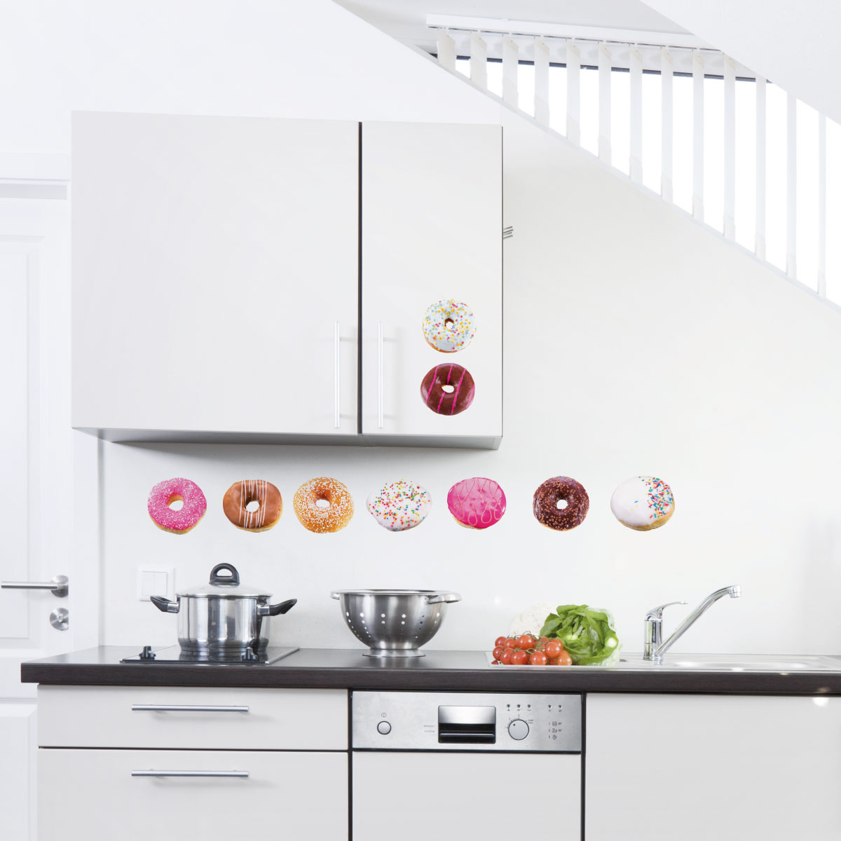 stickers muraux pour la cuisine sticker beignets donuts. Black Bedroom Furniture Sets. Home Design Ideas