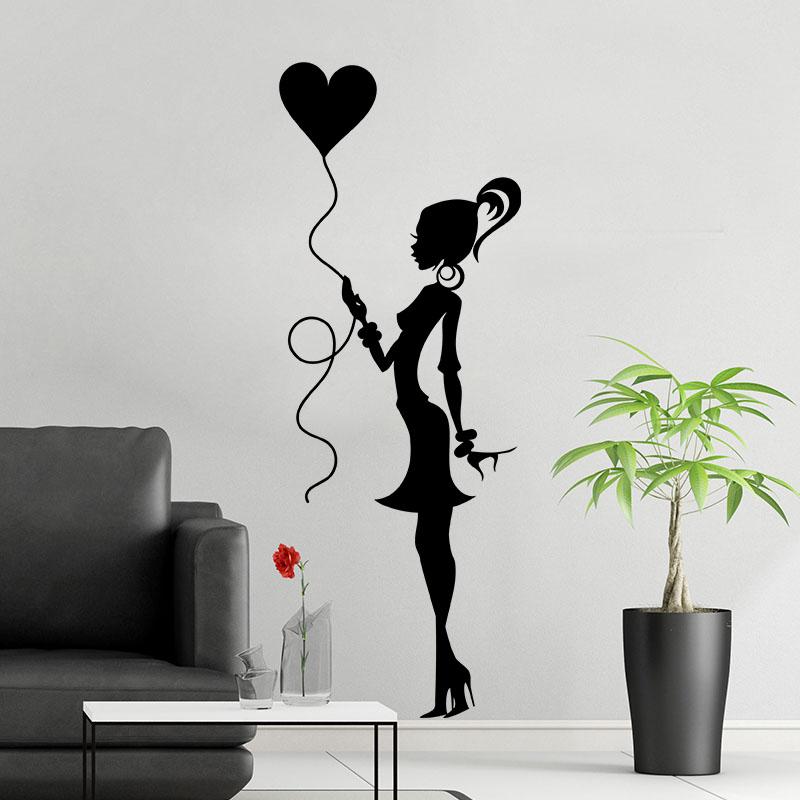 Sticker demoiselle avec un ballon en coeur stickers - Tete de lit en forme de coeur ...