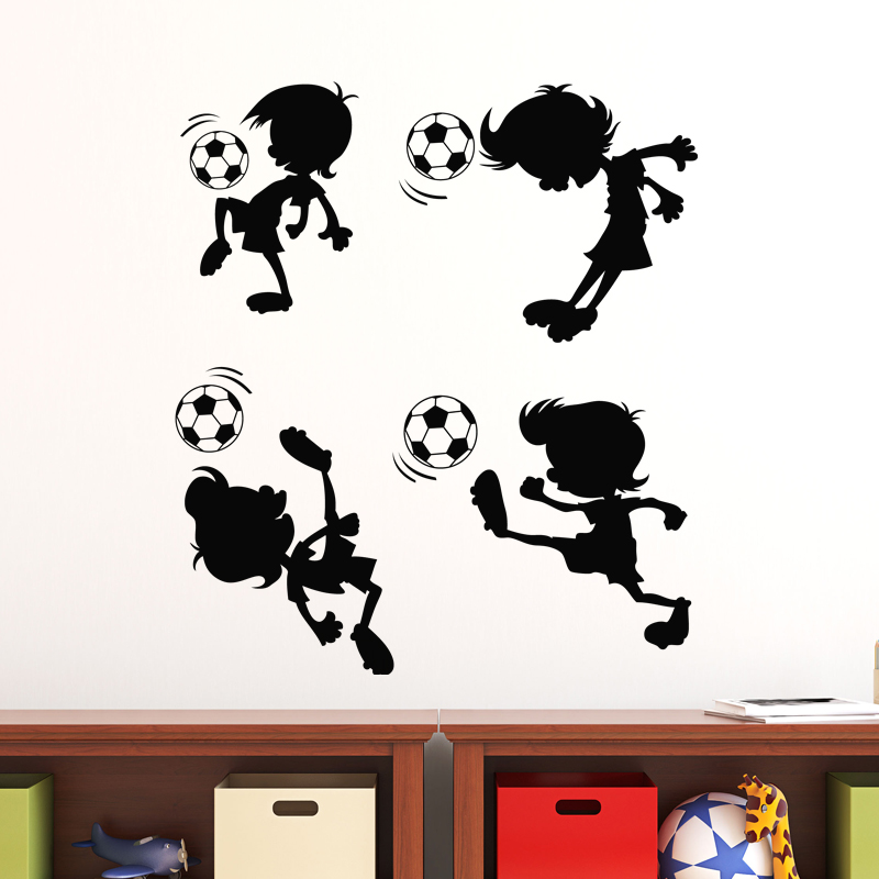 Sticker gar on jouant au ballon stickers sports et - Stickers muraux garcon ...