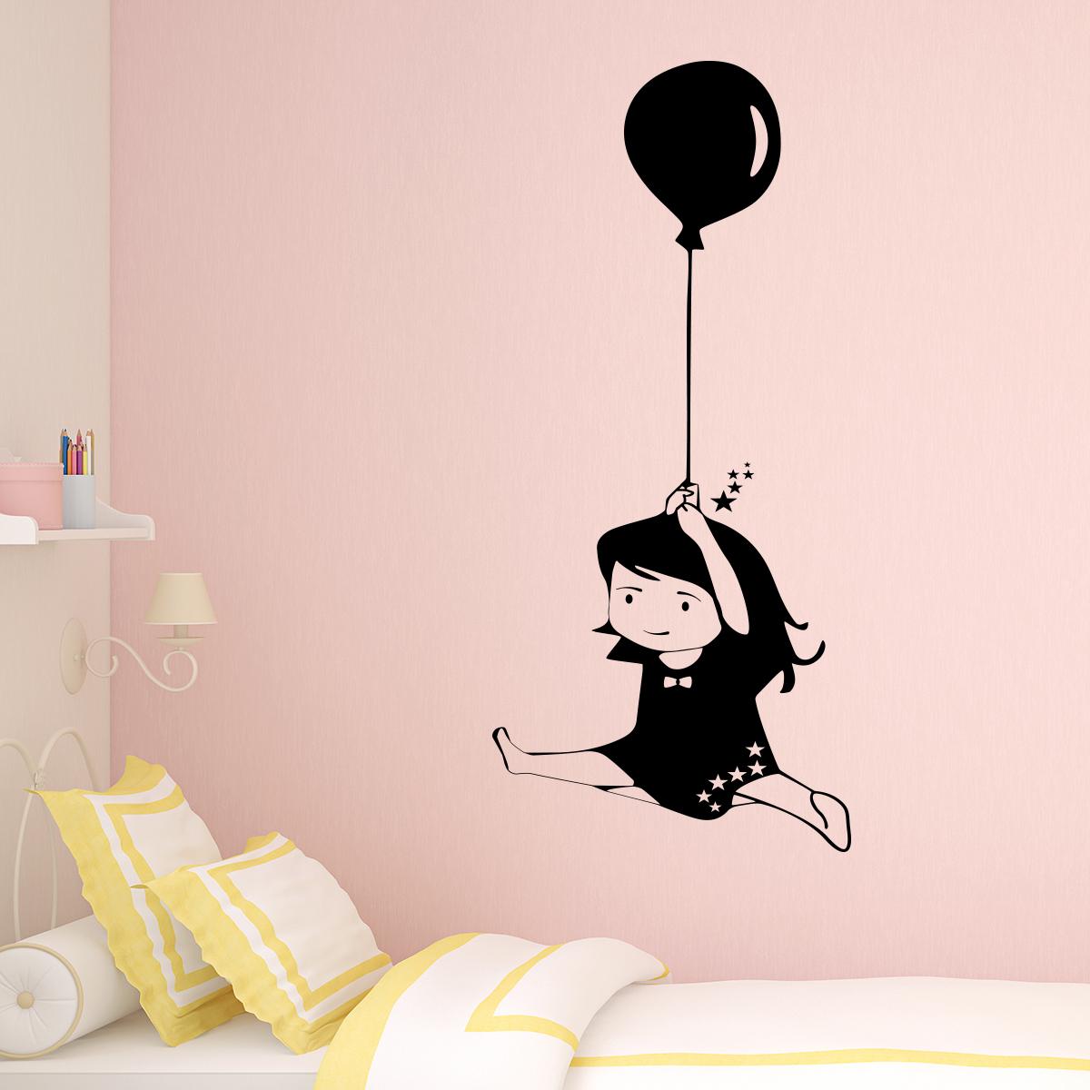 sticker petite fille avec ballon stickers chambre ado fille ambiance sticker. Black Bedroom Furniture Sets. Home Design Ideas