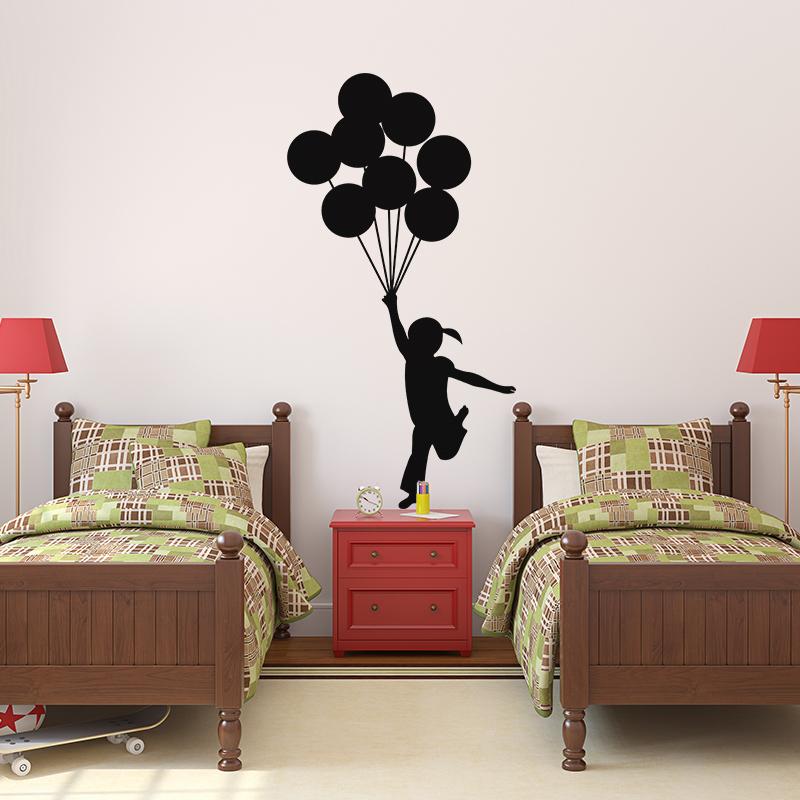 sticker petite fille avec ses ballons volant stickers b b s fille ambiance sticker. Black Bedroom Furniture Sets. Home Design Ideas
