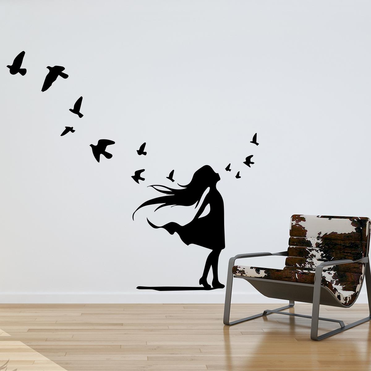 Sticker petite fille et vol d 39 oiseaux animaux oiseaux for Stickers muraux couloir