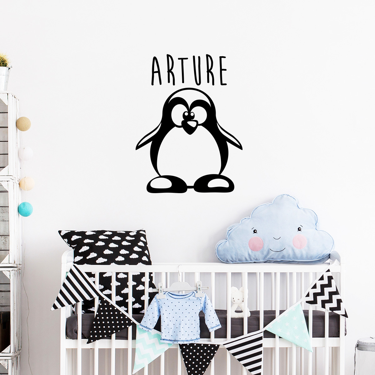 sticker pr nom personnalis adorable petit pingouin mini stickers pr nom perso ambiance sticker. Black Bedroom Furniture Sets. Home Design Ideas
