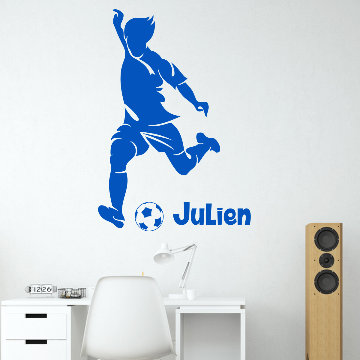 sticker pr nom personnalis footballeur avec la balle sports et football football ambiance. Black Bedroom Furniture Sets. Home Design Ideas