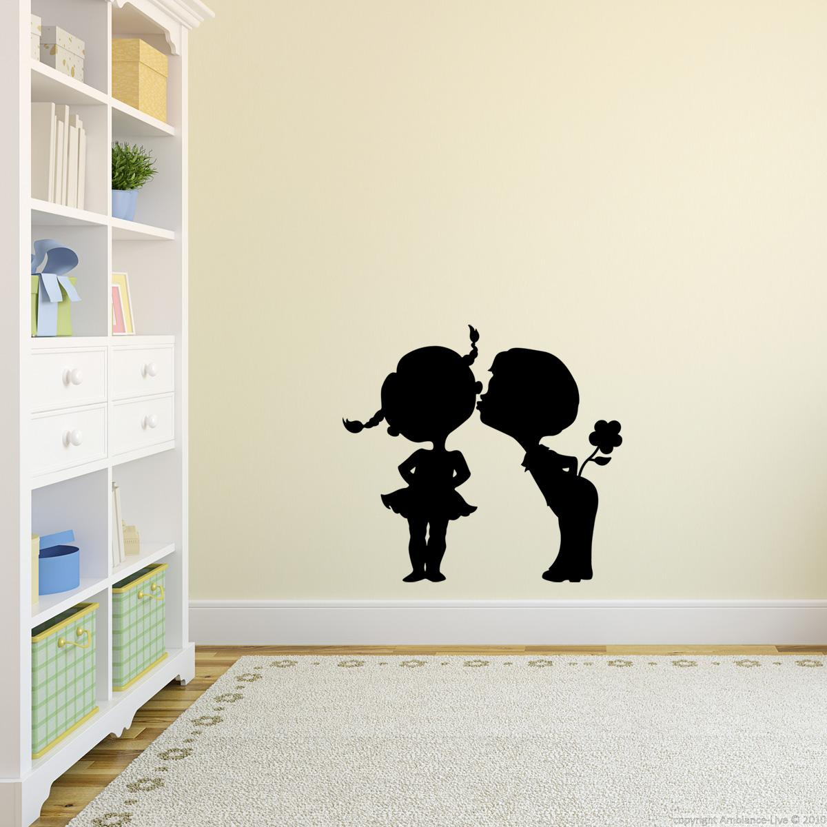 wandtattoos kinderzimmer wandtattoo m dchen jungen und blume ambiance. Black Bedroom Furniture Sets. Home Design Ideas