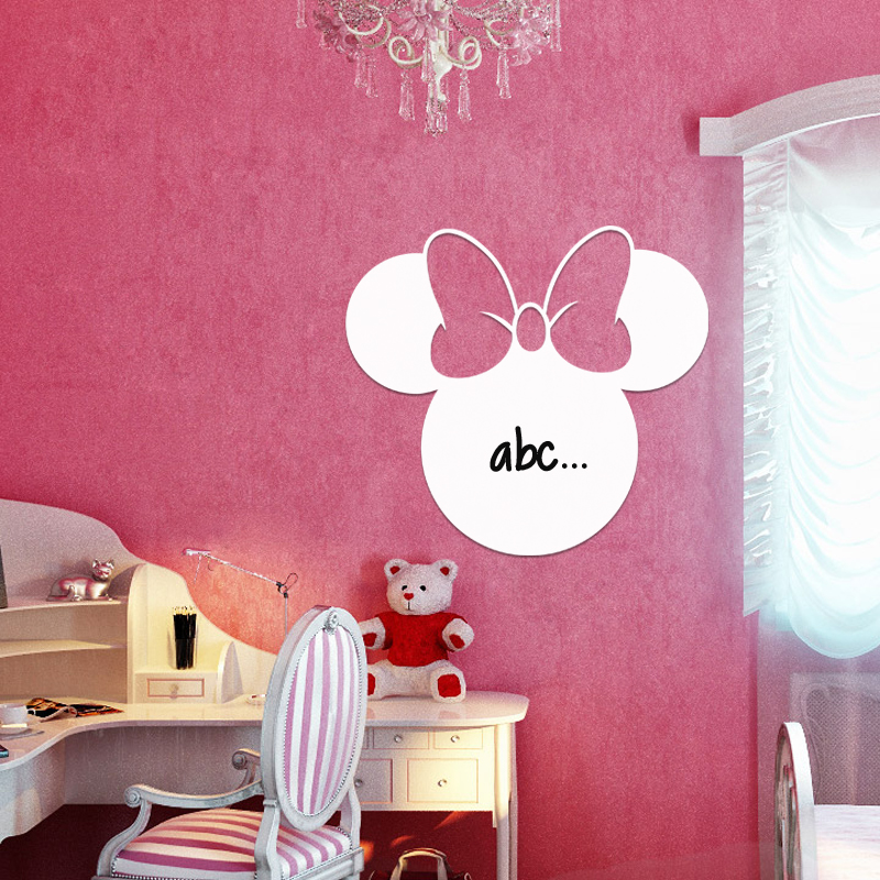 sticker tableau blanc souris avec un n ud papillon. Black Bedroom Furniture Sets. Home Design Ideas